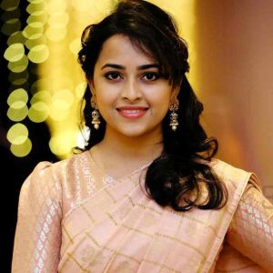 Sri Divya Biography, Wiki, Photos, Age & Height (9 Photos)